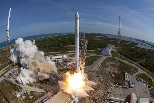 Décalage de la mission CRS-8 de la société SpaceX fondée par Elon Musk
